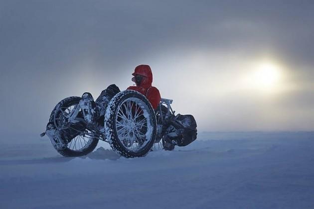 Велосипедистка и Южный полюс