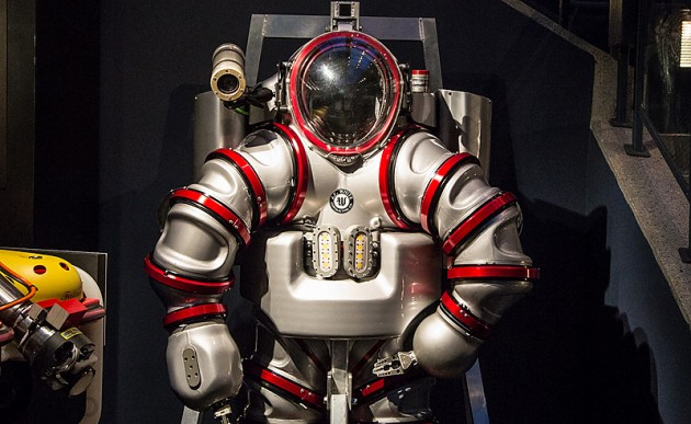 Подводной костюм Exosuit