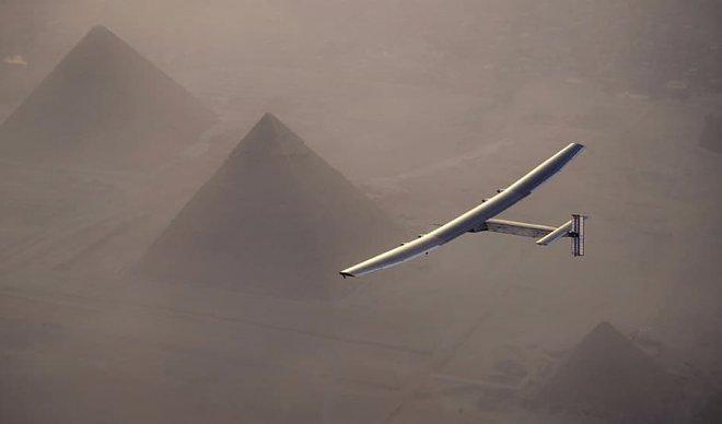 Пилот самолета насолнечных батареях Solar Impulse 2 отложил полет из-за болезни