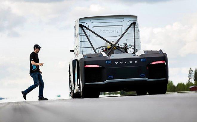 Вольво  установила два рекорда скорости на2400-сильном тягаче