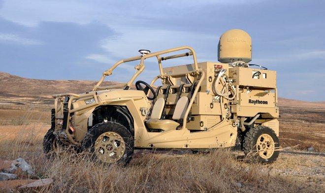 Raytheon разработала лазерную пушку для мгновенного уничтожения групп беспилотников