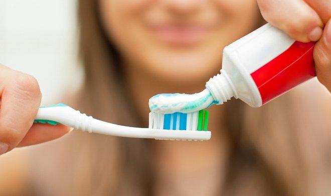 Зубная паста с пептидами способна пломбировать дыры в зубах