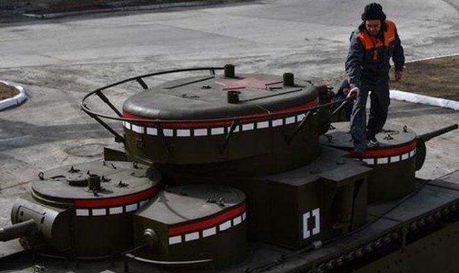 Уральские умельцы воссоздали по чертежам тяжелый пятибашенный танк Т-35