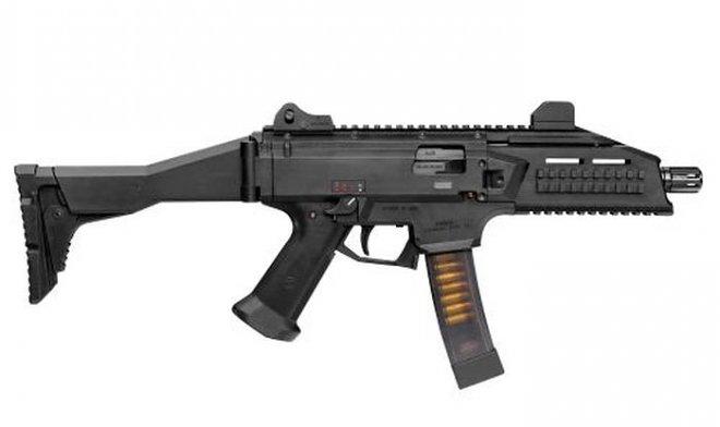 Армия США проводит испытания 10 новых пистолетов-пулеметов