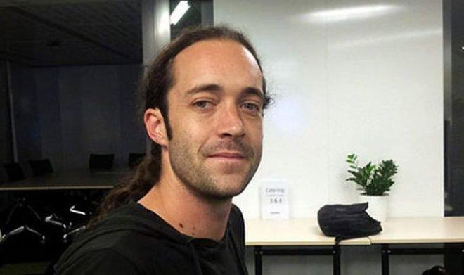 Суд оправдал австралийского биохакера с имплантированным в тело проездным чипом