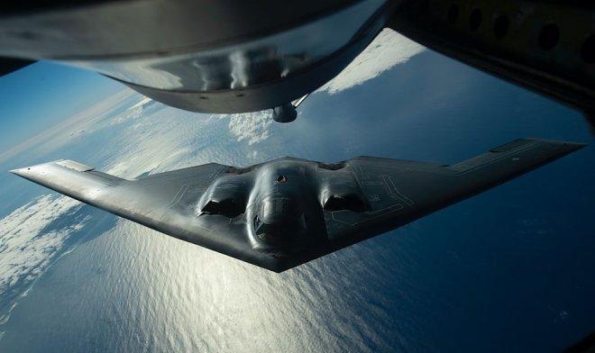 Первое в мире видео из кабины бомбардировщика-невидимки B-2