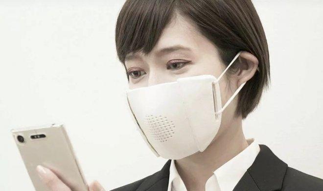 Умная маска из Японии может разговаривать с вашим телефоном и работать переводчиком