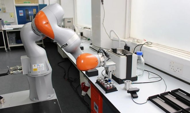 Робот-лаборант