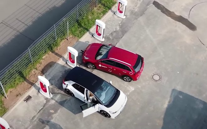 Зарядка VW на Tesla Supercharger
