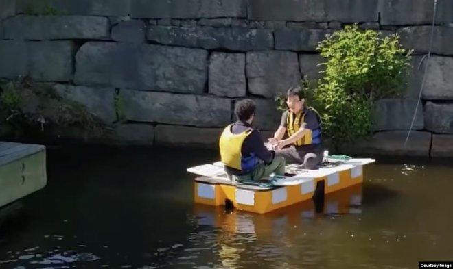 Лодка Roboat II