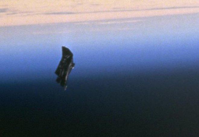 У человечества появился шанс найти «Черного Рыцаря» – таинственный инопланетный спутник-шпион