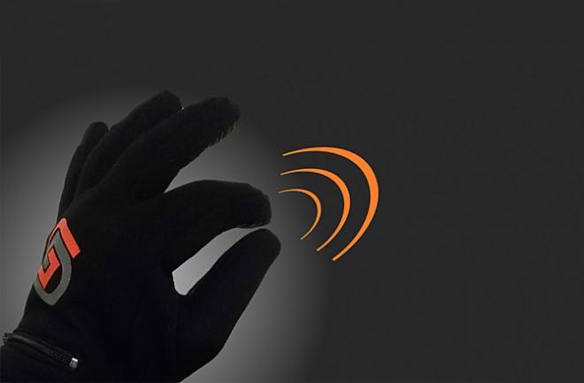 Перчатки с функциями ПДУ смартфона