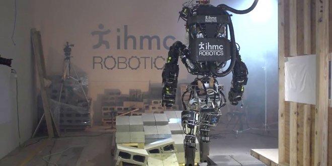 Робот IHMC