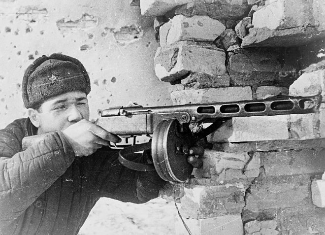 Soldier with PPSh-40