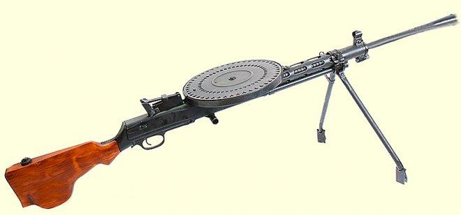 The manual machine gun DP-27