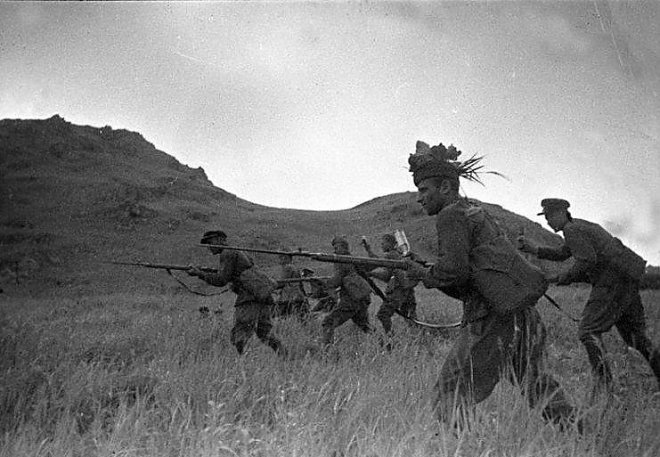 Soviet infantry in the offensive