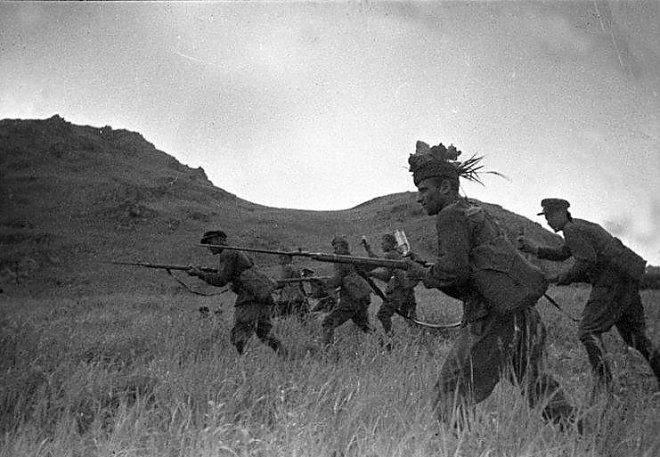 Советская пехота в наступлении