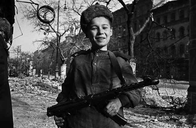 The son of the regiment with the submachine gun of Sudayev
