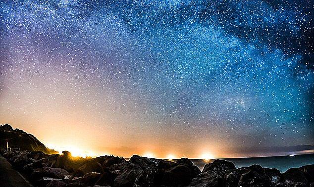 Камни ориентированы по звездам