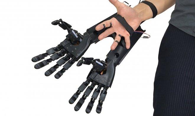 Double Hand