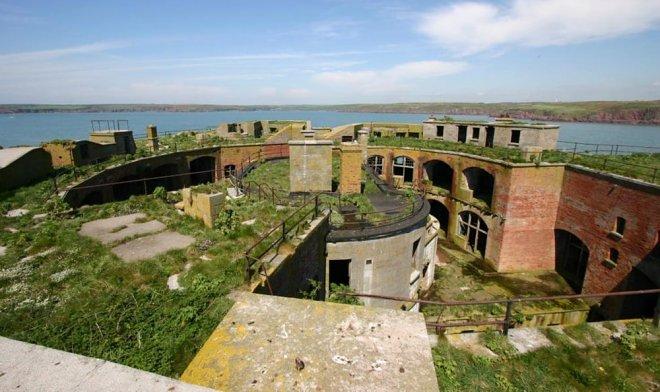 Остров-крепость Rock-Fort