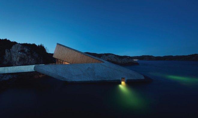 В Норвегии открылся первый в Европе подводный ресторан «Under»