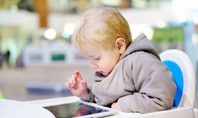 Трехлетний малыш заблокировал отцовский iPad на 48 лет