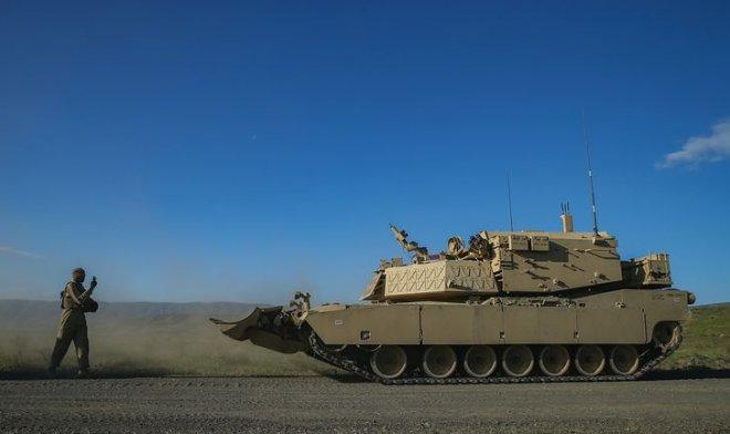 В США идут испытания беспилотной версии танка Abrams M1