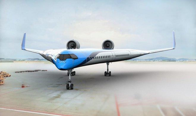 Экспериментальный самолет из Голландии перевозит пассажиров в крыльях