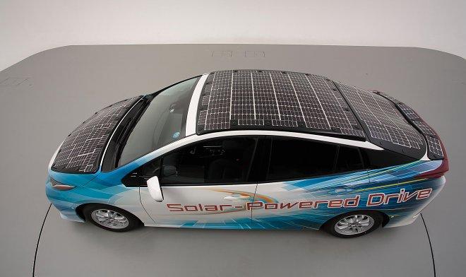 Toyota экспериментирует с солнечными батареями на крыше автомобилей