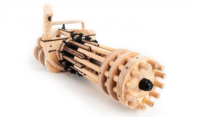 Миниган-резиномет стреляет со скоростью 200 выстрелов в минуту