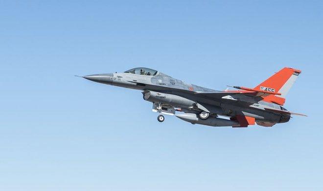 ВВС США массово превращают устаревшие F-16 в беспилотники