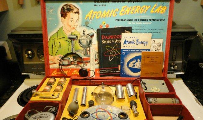 Детская игра из 1950-х увлекала школьников ставить опыты с настоящим ураном