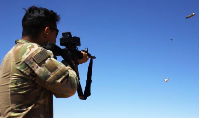 Армия США испытывает электронный прицел для уничтожения беспилотников