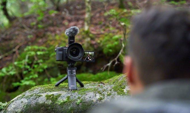 Sony выпустила самую маленькую и легкую полнокадровую камеру в мире