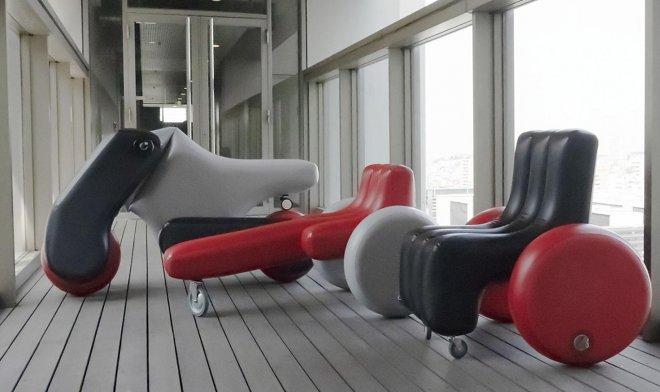 В Японии разработали надувной скутер, который практически ничего не весит