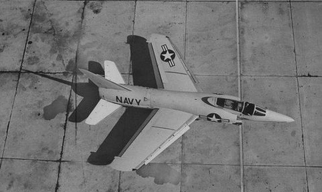 Американский сверхзвуковой истребитель F-11 Tiger однажды сбил сам себя