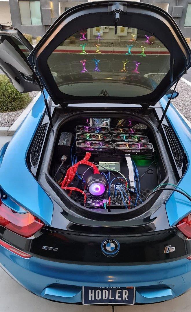 Энтузиаст из США собрал криптоферму в багажнике своей BMW, чтобы «побесить геймеров»