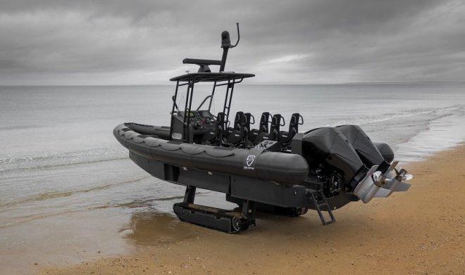Французская компания Iguana разработала самый быстрый катер-амфибию в мире